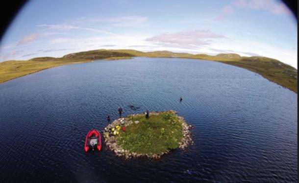 Investigation of the crannog at Loch Langabhat (F. Sturt / Antiquity)