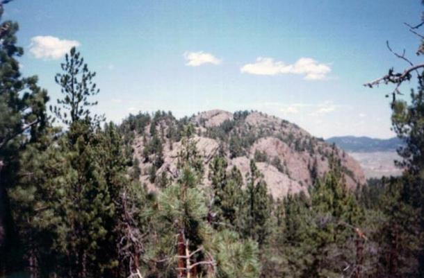 Inyan Kara mountain, a sacred space for the Lakota people.