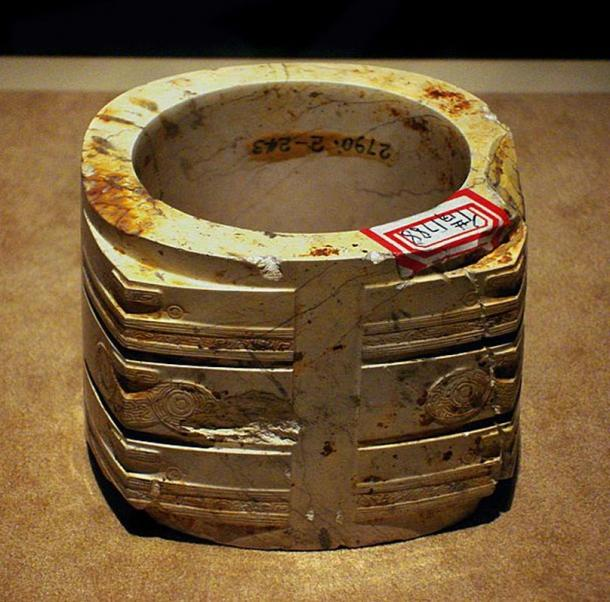 Jade cong from Liangzhu culture, Neolithic Period (3300 - 2200 BC), lower Yangzi River Valley