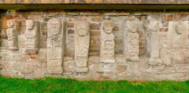 The Janus figures of White Island