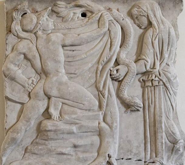 Jason seizing the Golden Fleece, fragment of a sarcophagus. Luni marble, Roman artwork, second half of the 2nd century AD