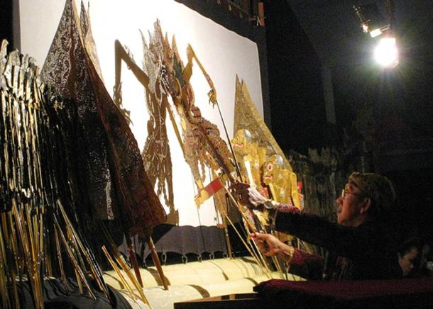 Javanese wayang kulit (shadow puppet) performance by a famous Indonesian dalang (puppet master) Ki Manteb Sudharsono, is usually a whole night long.
