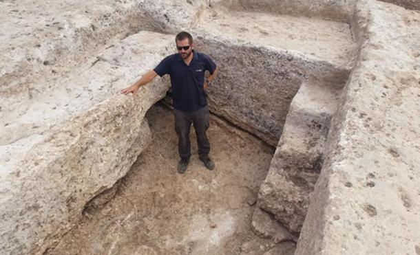 Joppe Gosker, excavation director on behalf of the Israel Antiquities Authority, inside the pottery workshop's water reservoir in Shlomi.