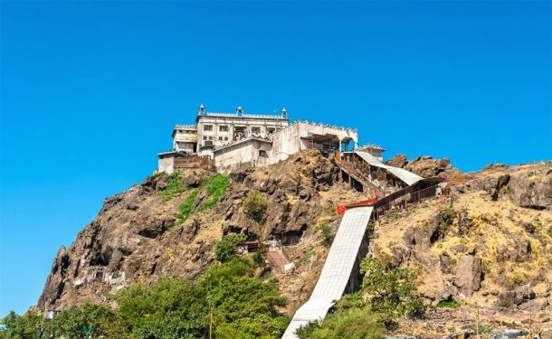 Kalika Mata Temple at the summit of Pavagadh Hill - Gujarat, India (Leonid Andronov / Adobe Stock)