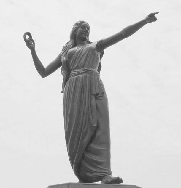 Kannagi is the central figure of the epic Silapathikaram and is worshiped as goddess Pattini in Sri Lanka. Statue in Marina Beach, Chennai.