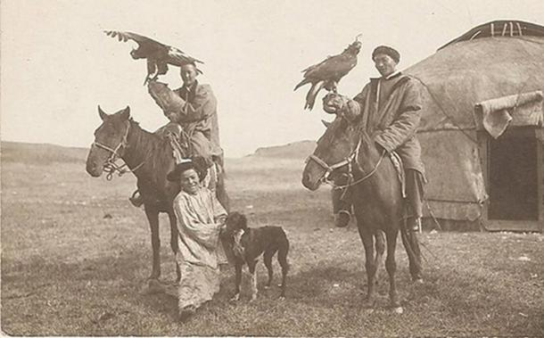 FIG 1.5. Kazakh eagle hunters, early 1900s
