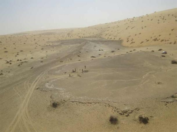 The site of Khall Amayshan 4 in northern Saudi Arabia, where evidence of repeated visits by early humans over the last 400,000 years was found, associated with the remains of ancient lakes. (Michael Petraglia, Palaeodeserts Project)