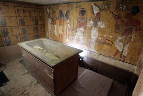 King Tutankhamun in his stone sarcophagus in his underground tomb in the famed Valley of the Kings. (Nasser Nouri / CC BY-SA 2.0)