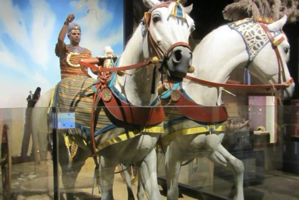 King Tut's chariot. (Howicus / CC BY-SA 2.0)