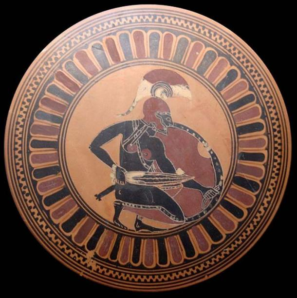 Knelt warrior with de-cladded sword – possibly Achilles waiting for Troilus. Tondo of an Attic black-figure kylix, ca. 560 BC. (Public Domain) Greek warriors had to obtain their own weapons.