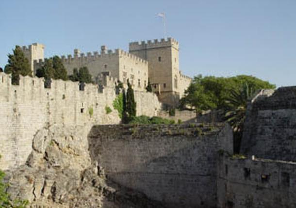 Battlements of the Knights' castle at Rhodes. (Antiquarian/CC BY SA 3.0)