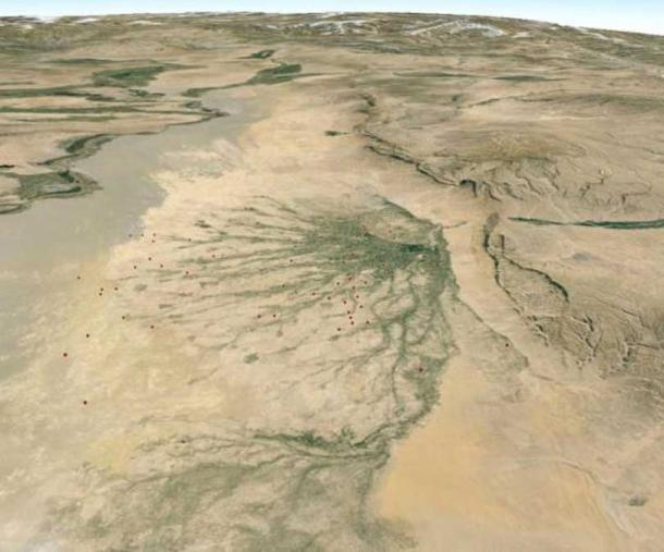 Known archaeological sites in northern Afghanistan follow active courses and paleochannels of the Balkhab River; CAMEL staff have mapped thousands more of them using satellite imagery, including the sites shown in the section above.