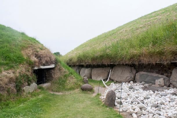 Knowth Passage Tomb site at Brú na Bóinne. (CC BY-NC-ND 2.0)