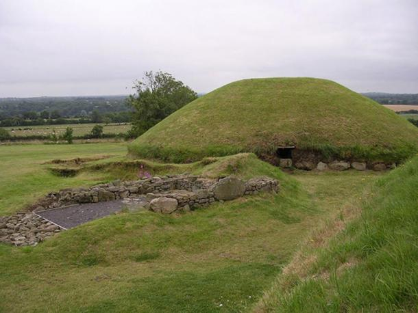 Knowth, River Boyne valley, Ireland.