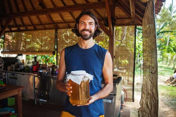 Kombucha returned to the mainstream and became a popular health fad again in the 1960s as hippies experimented with natural remedies. (Mila Supinskaya / Adobe)