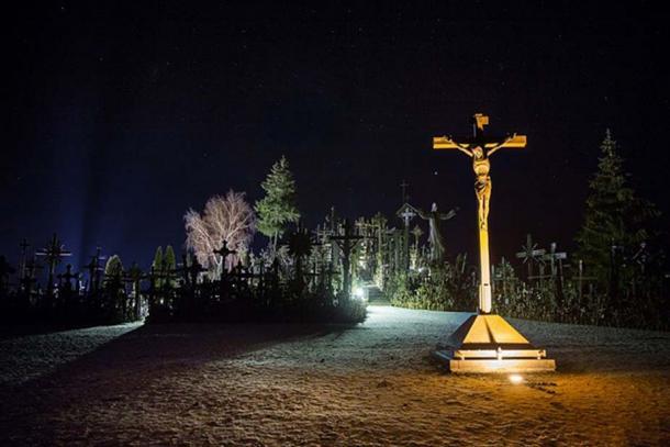 Kryžių kalnas – Hill of Crosses. (Mindaugas Macaitis/CC BY SA 4.0)