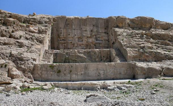 The Kuh-e Rahmat Mountain where the rock-cut Achaemenian monument of Qadamgah stands today. Photo by Pontocello, 2009