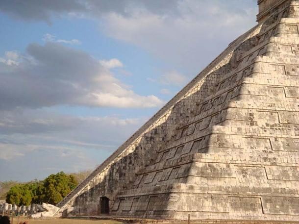 Kukulkan at Chichen Itza during the Equinox. The famous descent of the snake. March 2009