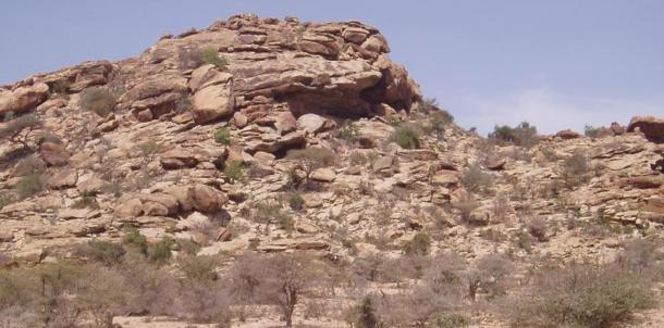 Laas Geel rock shelter near Hargeisa, northern Somalia, known for containing Neolithic rock art. Photo by Najeeb, 2005.
