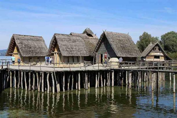 A Lake Constance, Germany stilt house village which would have been very similar to the nearby Lake Lucerne village. (Rufus46 / CC BY-SA 3.0)