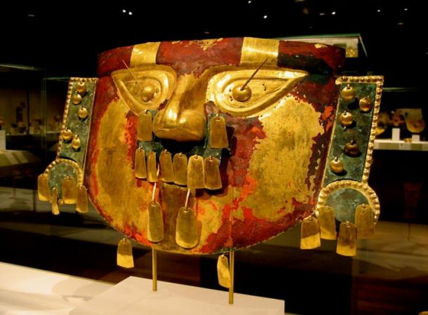 Lambayeque funerary mask from the 9th to 11th centuries, found in a burial mound previous to the recent finds.