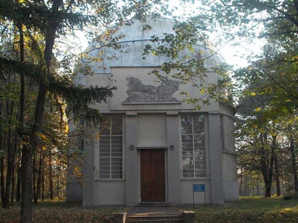 """Pavilion of Large Refractor """"Carl Zeiss"""" 650/10550 mm of Belgrade Observatory, built 1932."""