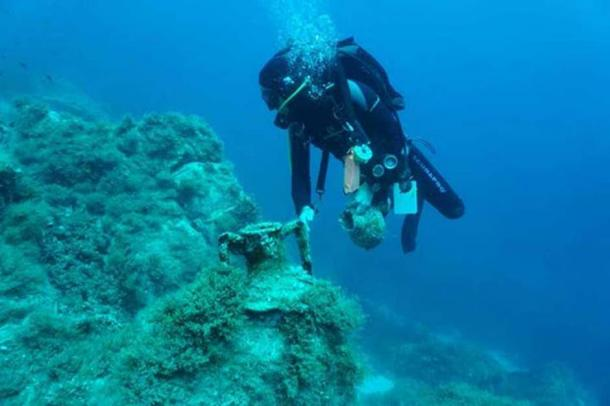 Late Hellenistic shipwreck at Fylladi Bay of Rineia