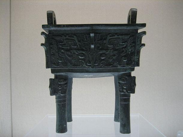 Late Shang Period (1600 - 1046 BC) fangding (Shanghai Art Museum / CC BY-SA 3.0)