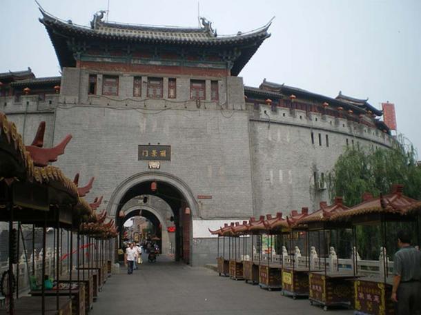 Lijing Gate in Luoyang, Henan, China.
