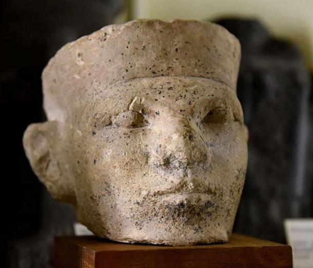 Limestone head of a man thought to be the 1st Dynastic King of Egypt, Menes or Narmer. Egyptologist Flinders Petrie believed it was the latter. (Osama Shukir Muhammed Amin FRCP(Glasg)/CC BY SA 4.0)