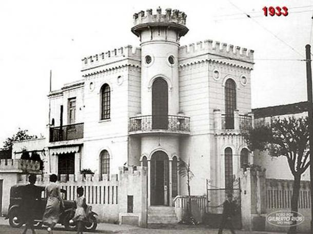 The 'Little Castle of Apa Street' in 1933.