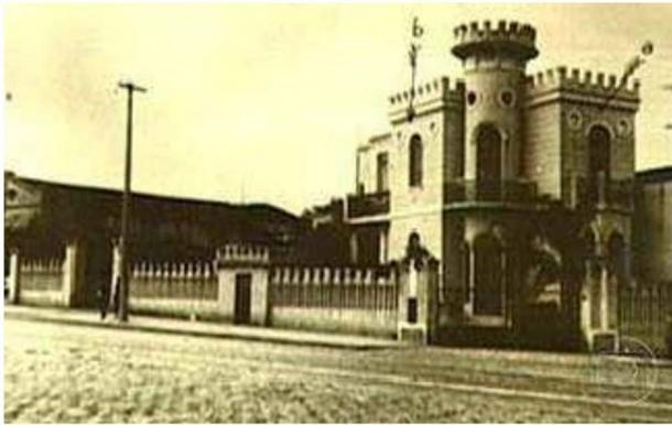 An old photo of the 'Little Castle of Apa Street.'