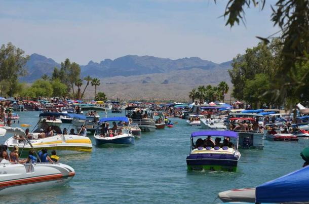 London Bridge Lake Havasu Park. (CC0)
