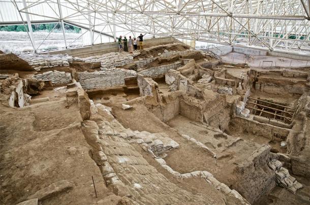 Looking down over the south excavation of Çatalhöyük, pre-2015 season. (Çatalhöyük Research Project / CC BY-NC-SA 2.0)