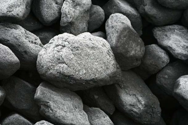 Lumps of coal. (Duncan Harris/CC BY SA 2.0)