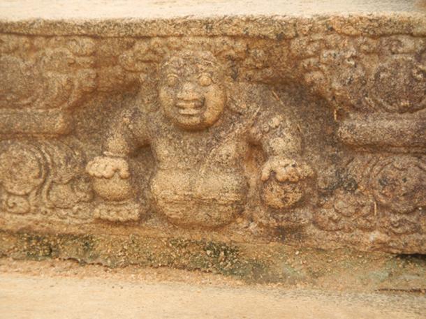 Mahasena's Palace, Anuradhapura. (Royston Rascals / CC BY-SA 2.0)