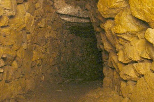 Main chamber of the Halliggye Fogou
