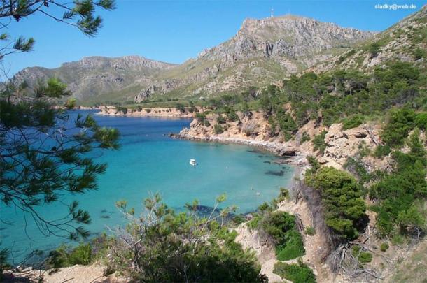 The coat of Majorca, where the amphorae were discovered. (sladky / CC BY-SA 3.0)