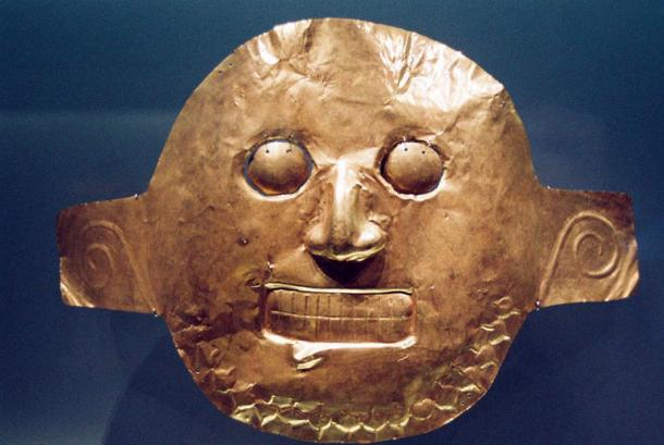 Malagana was one of four societies making up the Calima culture. Calima culture gold mask, Gold Museum, Bogotá, Colombia.