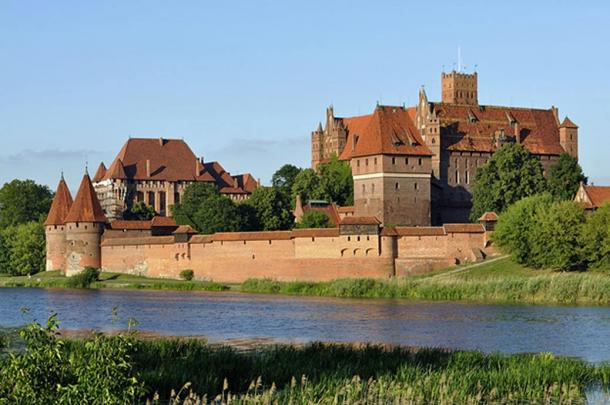 Malbork Castle from across the Nogat.