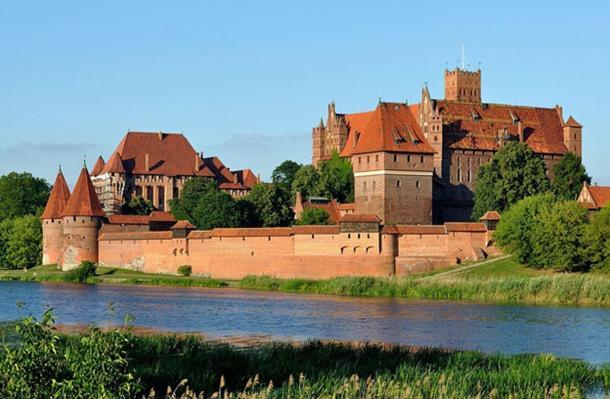 Malbork Castle from across the Nogat.