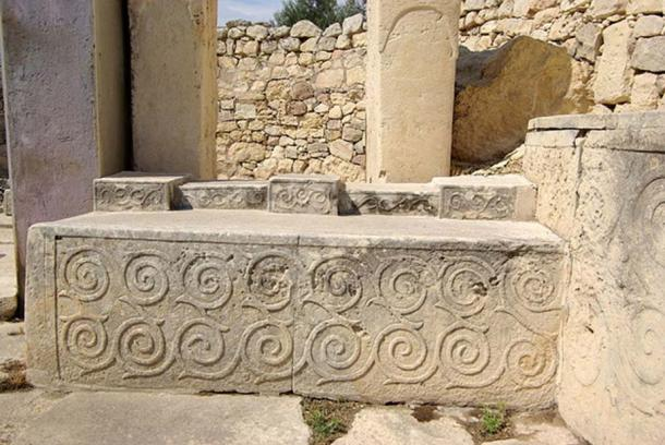 Malta, Tarxien Temples, stone with spiral design.