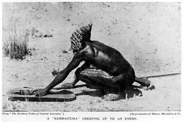 Man wearing Kurdaitcha equipment, Central Australia. (Fæ / CC BY-SA 4.0)