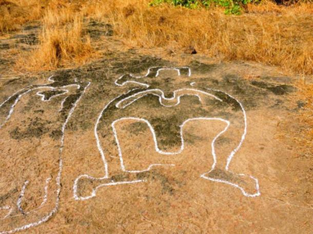 Many of the carvings contain human shapes. (Ratnagiri Tourism)