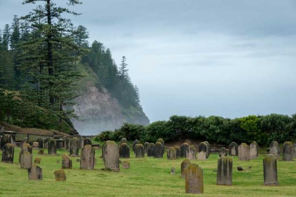 Many of the graves are those of the convicts (Randal /Fotolia)