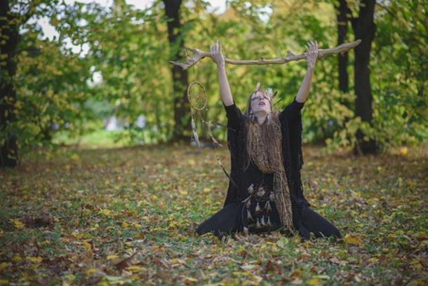Many of today's witches feel a deep affinity with nature (Teodor Lazarev / Adobe Stock)