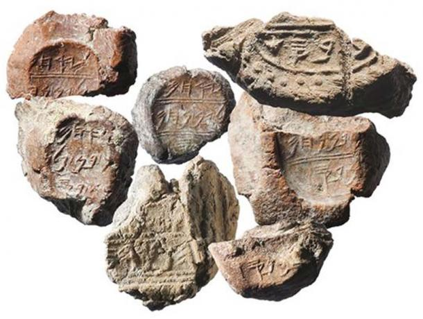 Many seal fragments were found during excavations.
