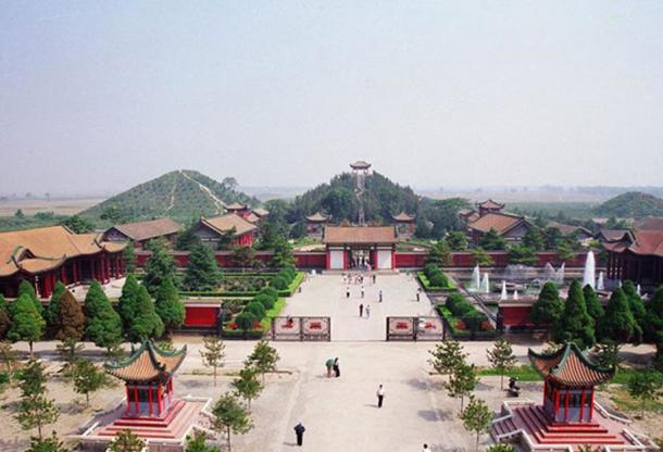 Maoling village with 'pyramid' mausoleum mounds in the background. (visitourchina.com)