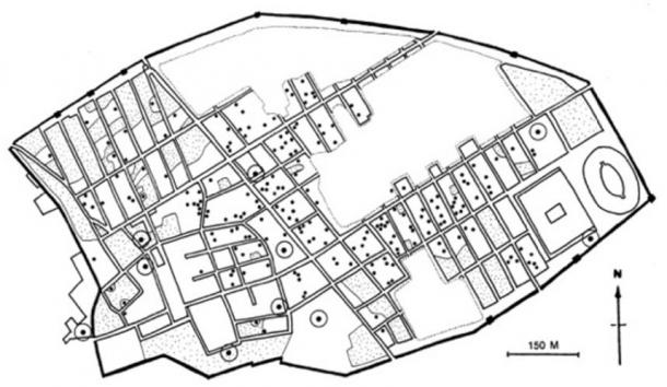 Map of Pompeii showing public and private toilets.