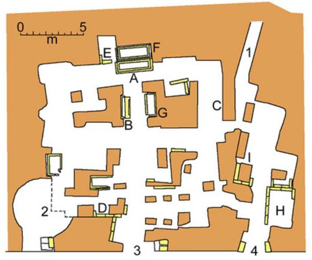 """Map of the Scipio's Tomb in Rome, via Appia. 1 is the old entrance, 2 is a """"calcinara"""", 3 is the administration entrance, 4 is the entrance to the new room. Letters from A to I are the sarcophagi with incriptions."""